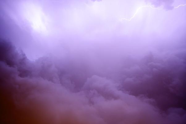 lightning-2625010_1920